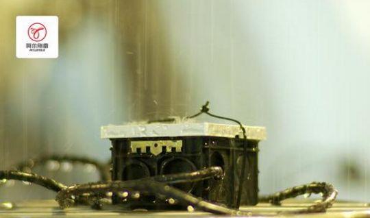 绝缘连电技术首揭神秘面纱?不怕水的插座了解一下吗组合冷库